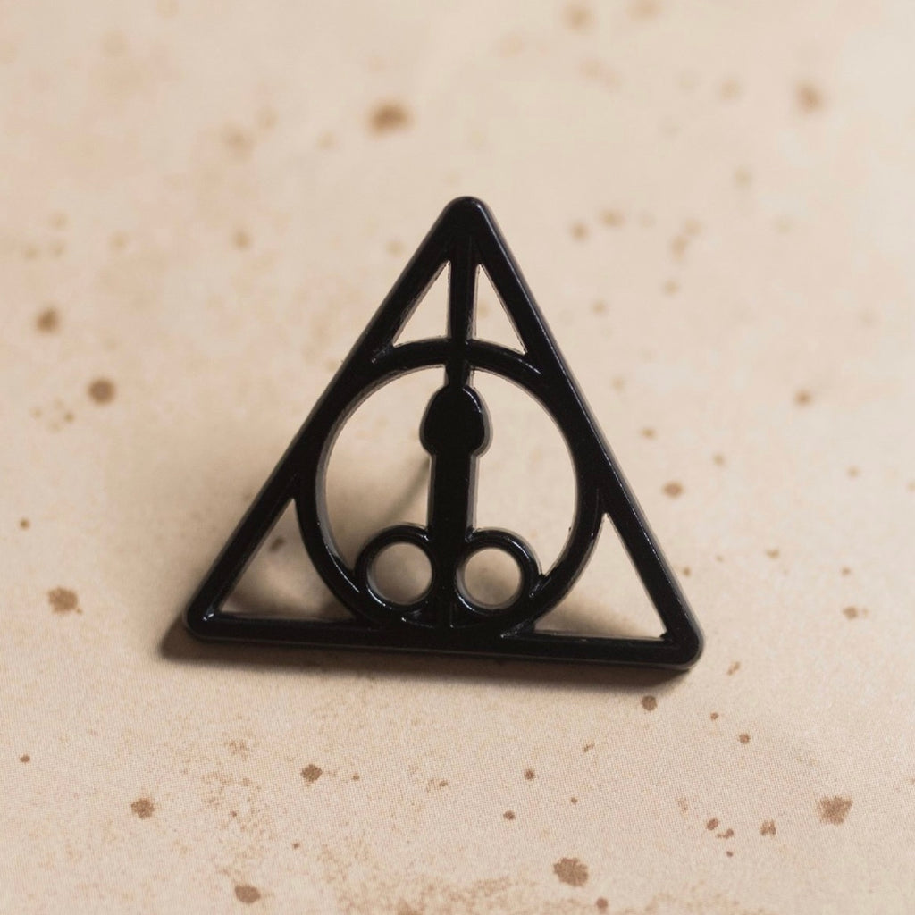 Dickly Hallows Pin