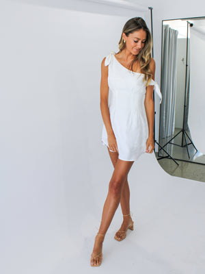 Tie Knot Dress In White