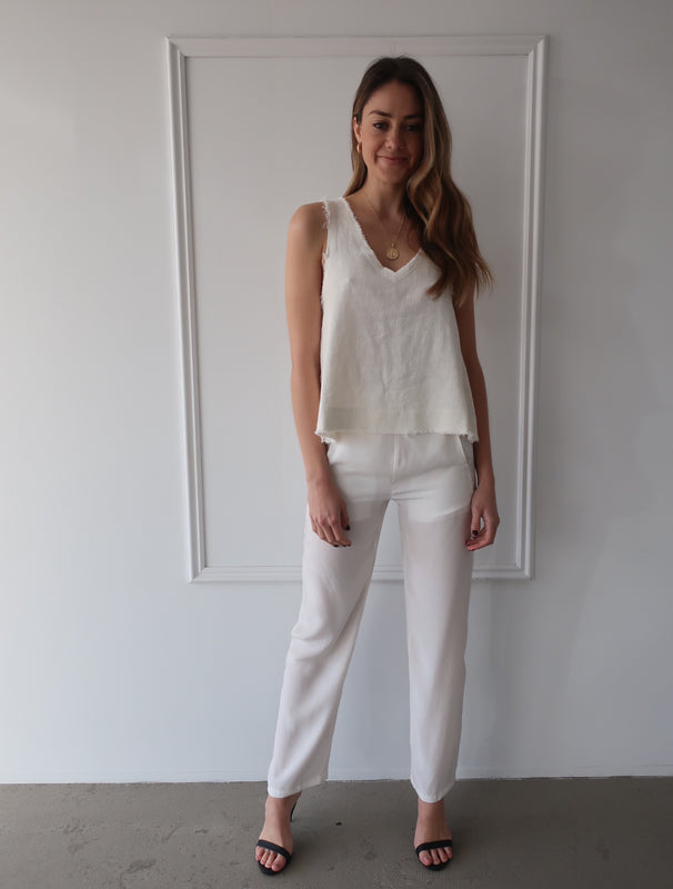 Milena Pant in Ivory