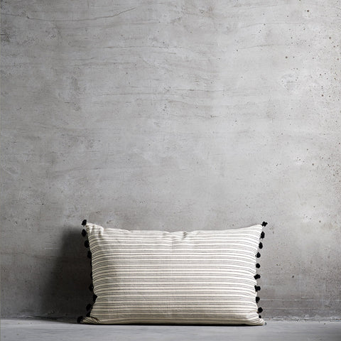 Cushion Stripe - 50x75cm - Black / White