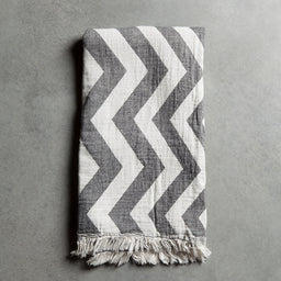 Bath towel - Ikat - Black / Off white