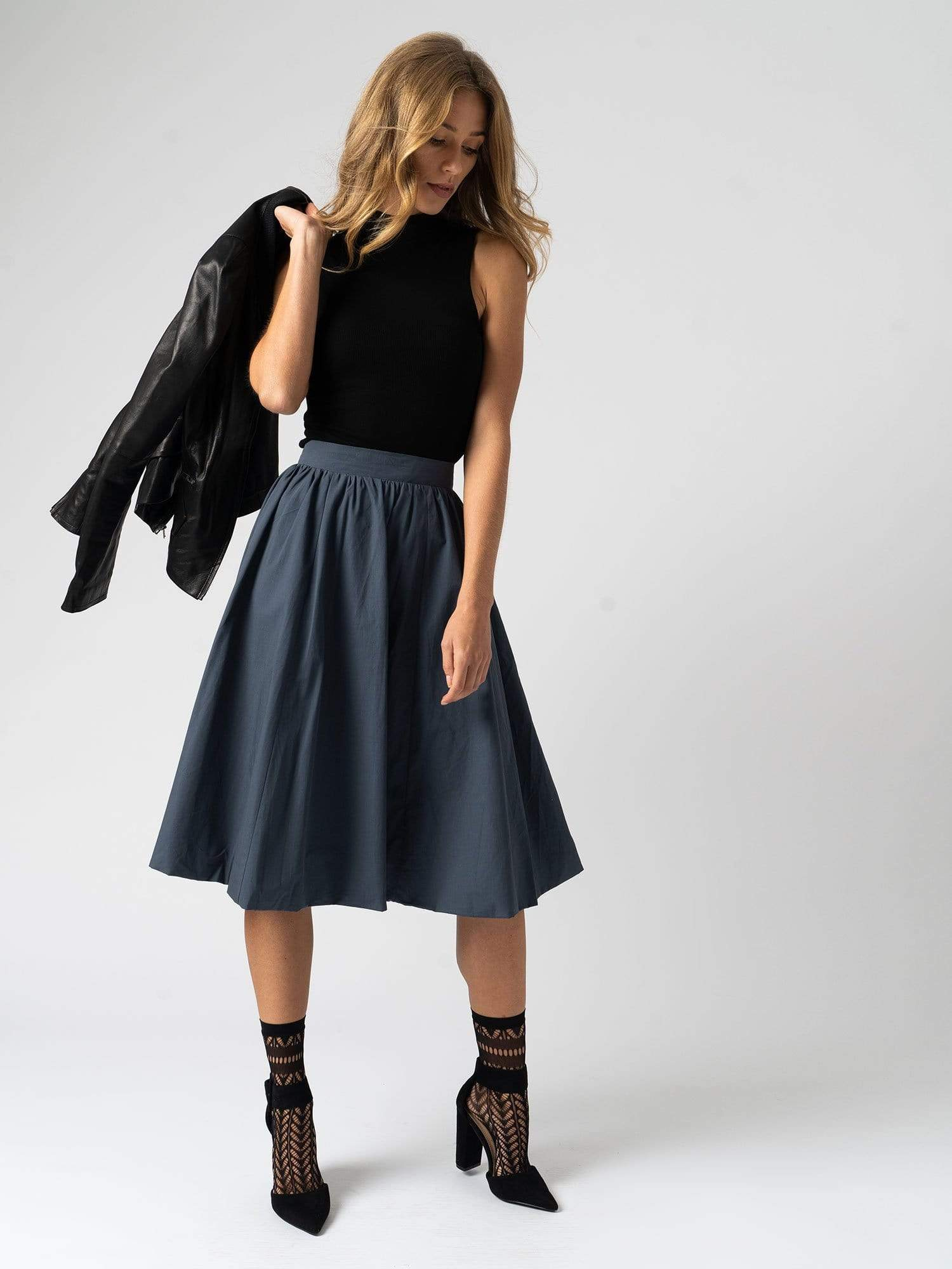 The Biarritz Skirt - Navy