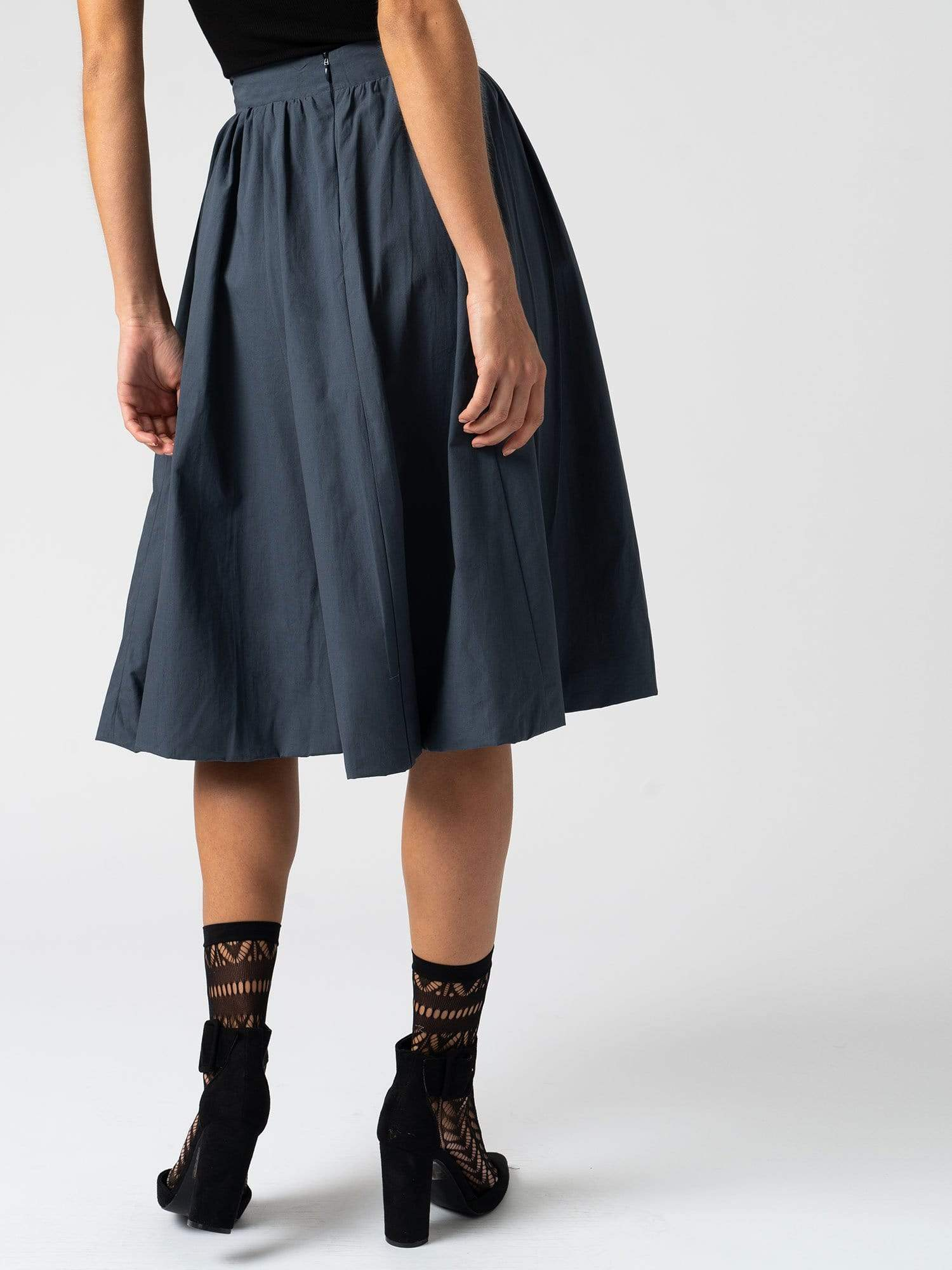 Dress The Biarritz Skirt - Navy Zaggora UK