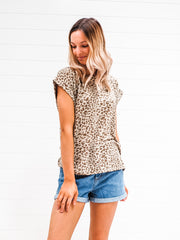 Shelly Tee - Latte Leopard