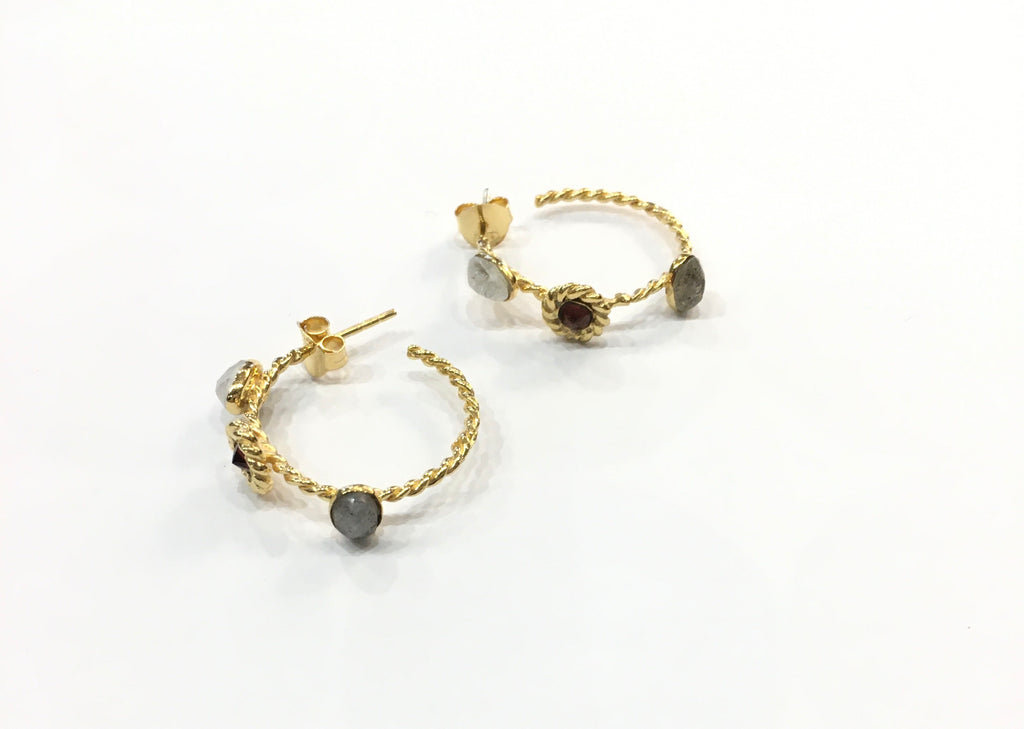 Gold earrings hoop with 3 stones