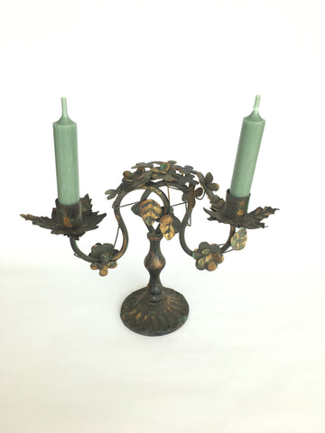 Candle stick with leaves