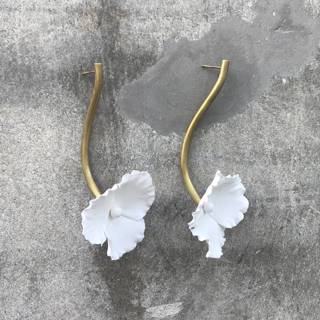 Simply Pensamiento Earrings