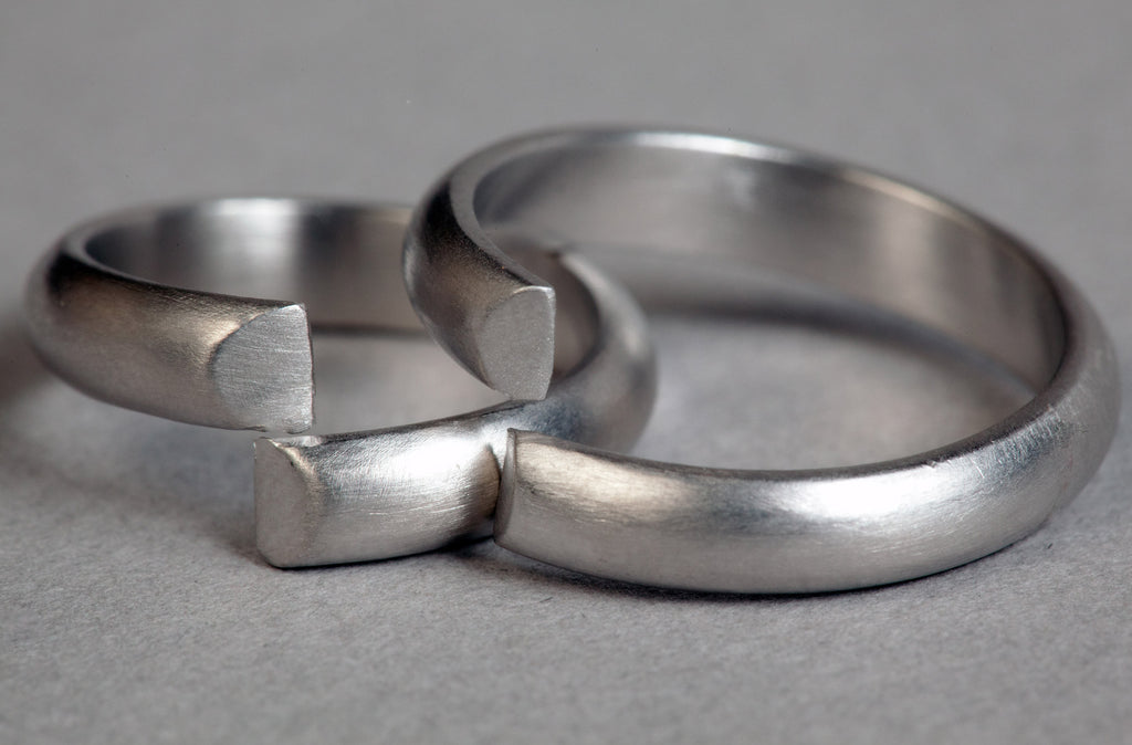 unique wedding bands