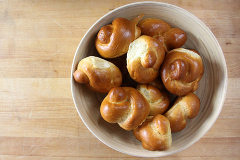 Challah Silver Dollar Knot Roll