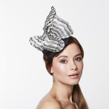 Load image into Gallery viewer, VX610 - Vixen Millinery