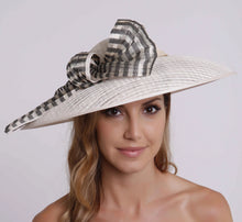 Load image into Gallery viewer, VX802 - Vixen Millinery