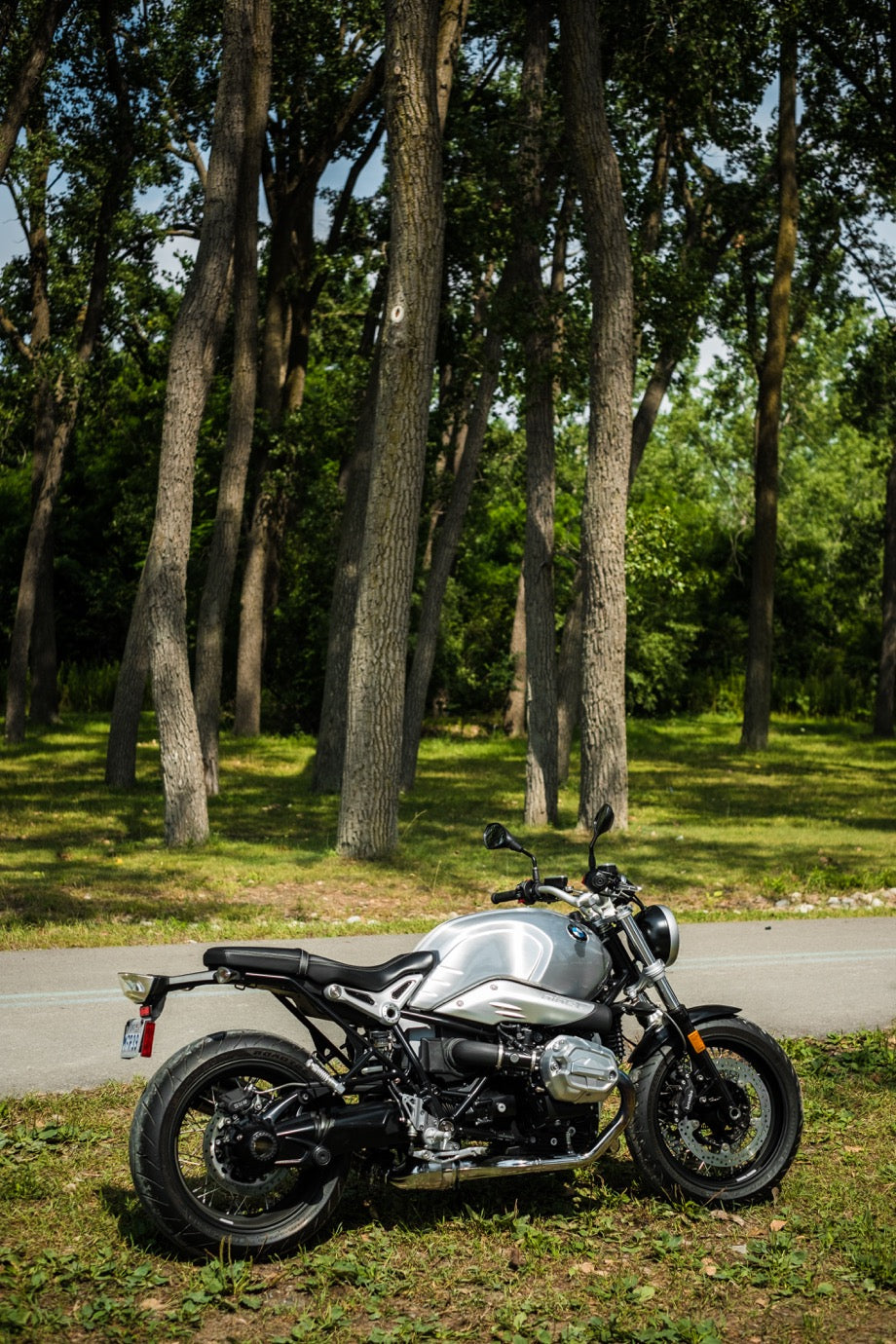 BMW R NineT Pure - August 2018 Window Bike