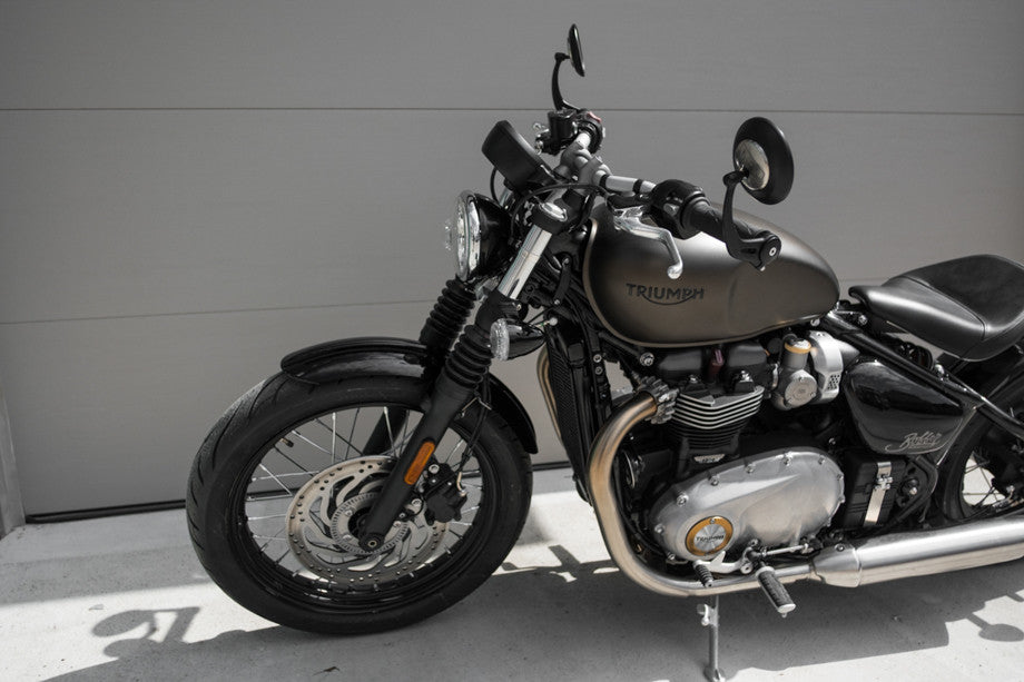 Triumph Bobber Town Moto April 2017 Window Bike