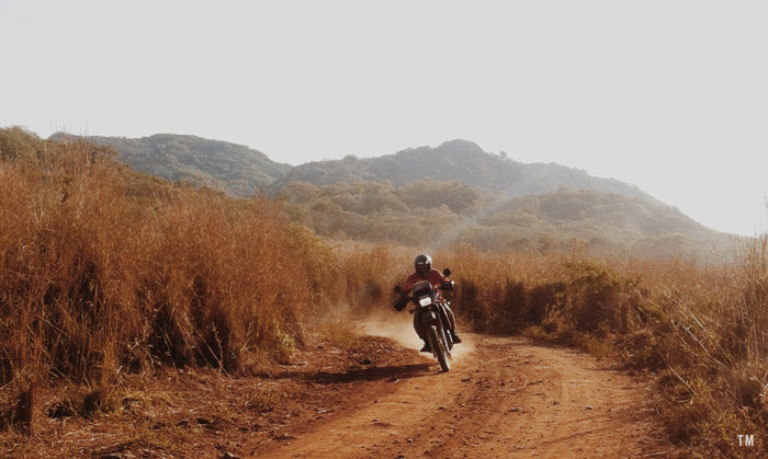 dirt squirt in Troncones, Mexico - Town Moto