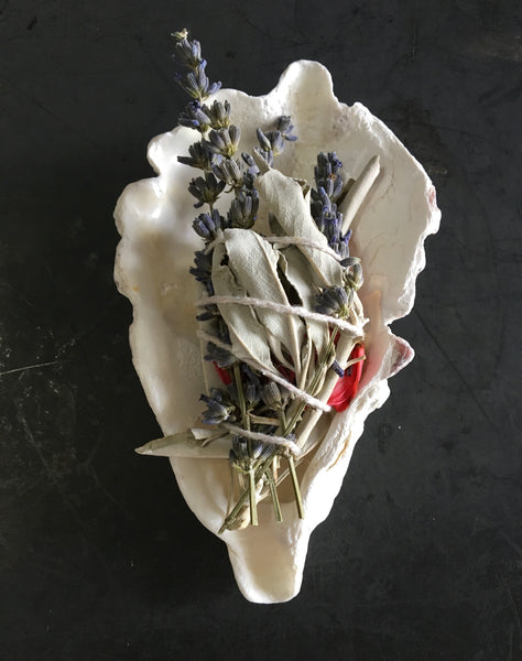 Garden Goddess - Smudge Bundle - Lavender - White Sage - Camellia - Zen Decor