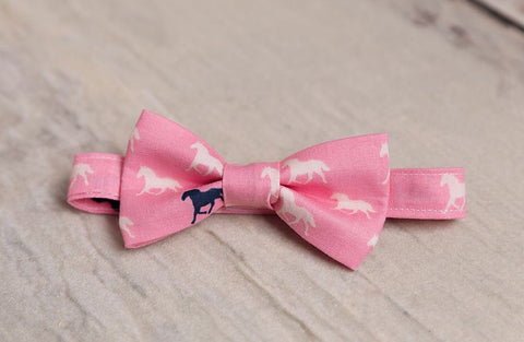 Pink Derby Horses Bow Tie