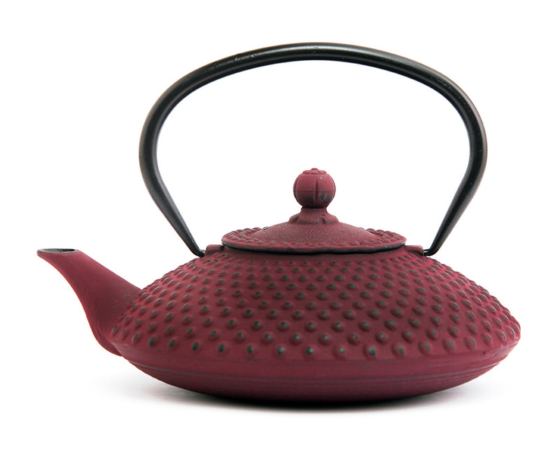 GURO Cast Iron Hira Teapot 41 Ounce, Purple