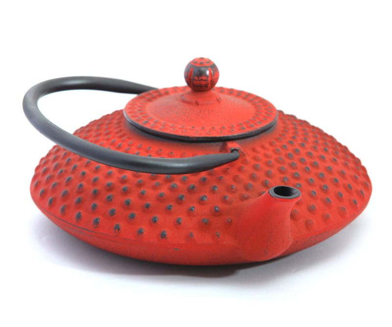 GURO Cast Iron Hira Teapot 41 Ounce, Red