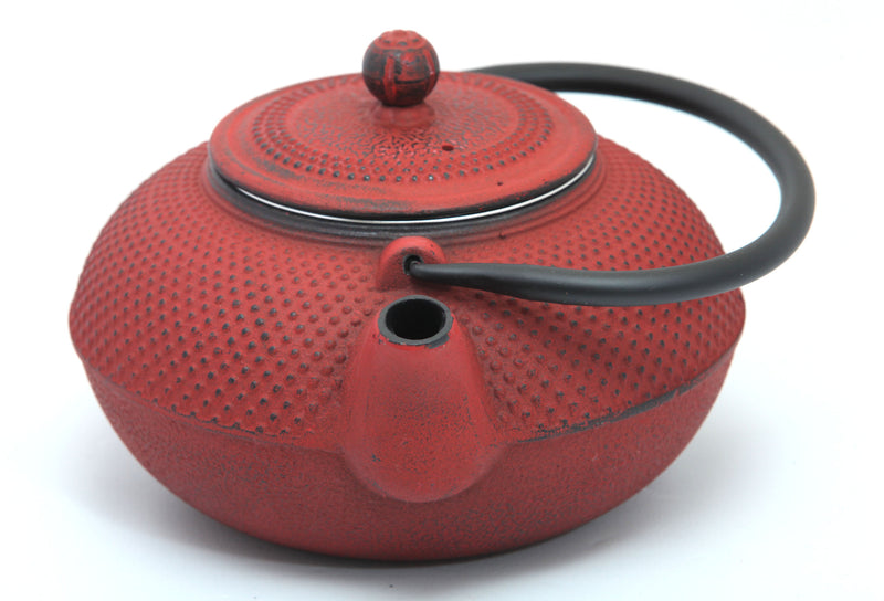 GURO Cast Iron Nailhead Teapot 50 Ounce, Red