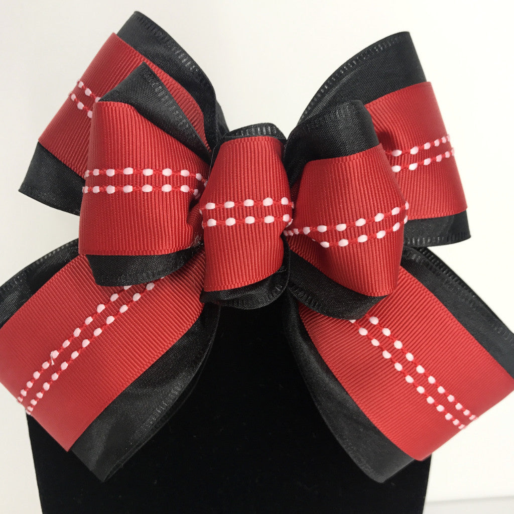 Poppy Goes Red Chic Bow Tie (2.5in.)