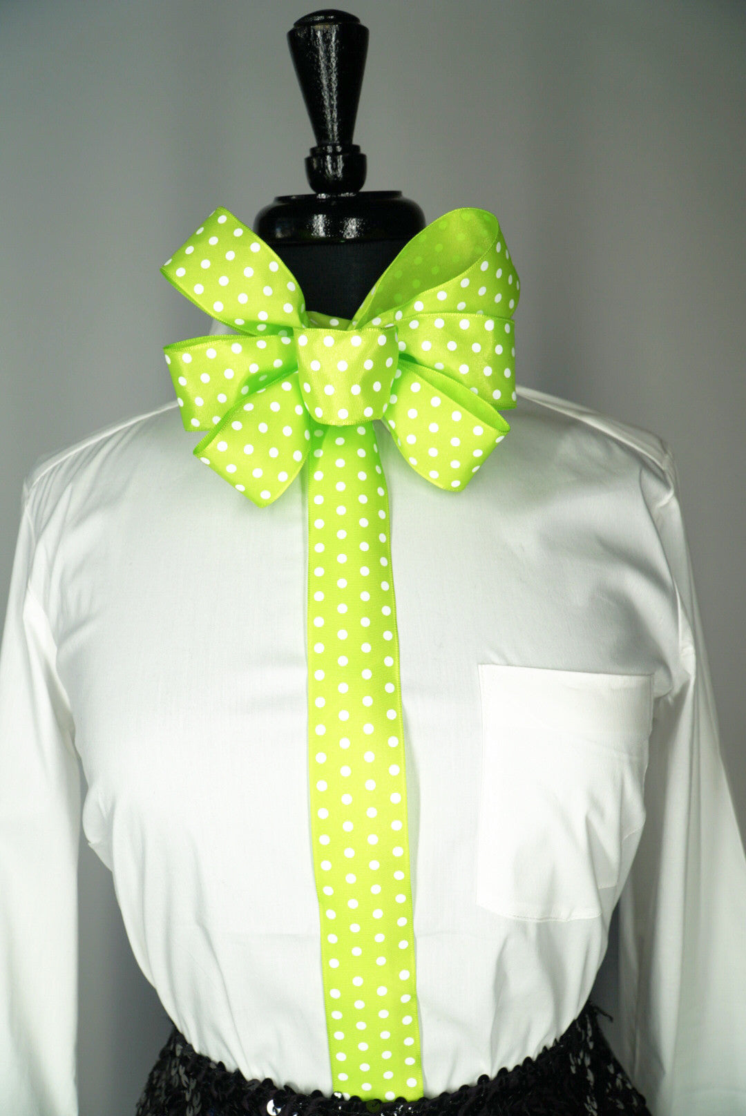 Polka Dot Chic Bow Tie (1.5in.)