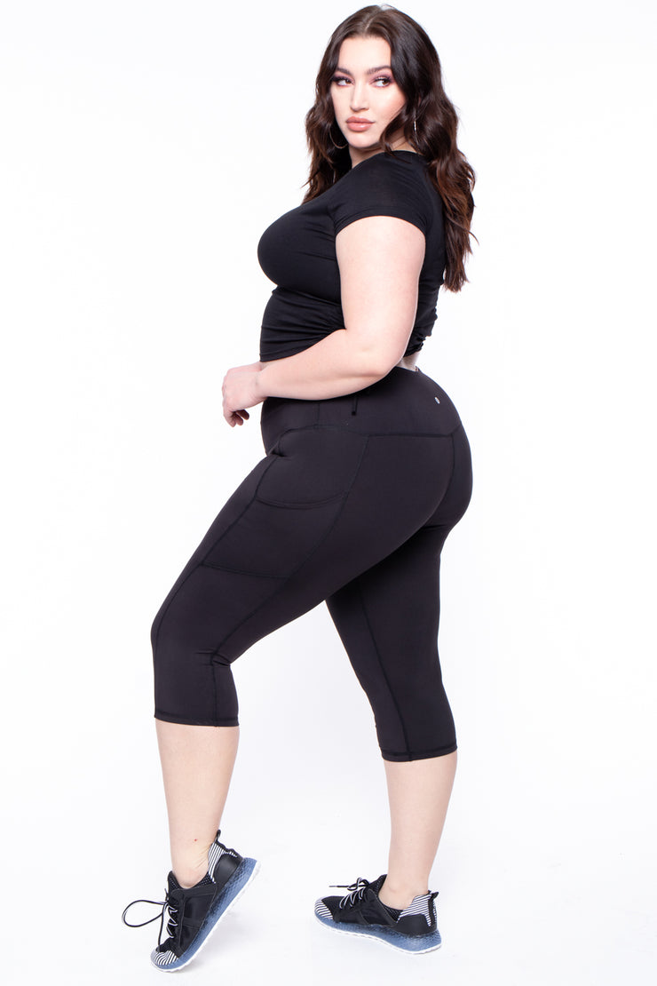 Plus Size Active Capri Side Pocket Legging - Black