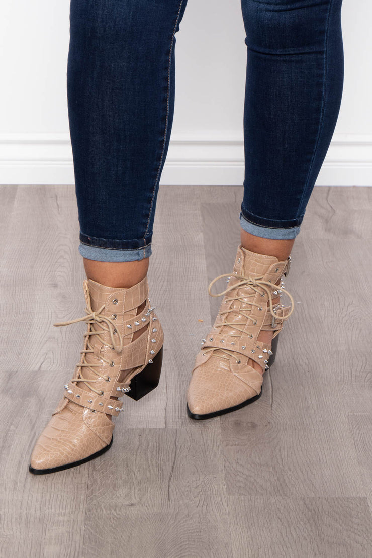 Curvy Sense -Plus_Size_Womens- Painkiller Cut-Out Alligator Spiked Booties - Nude