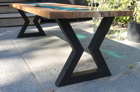 Hourglass Metal Table Legs