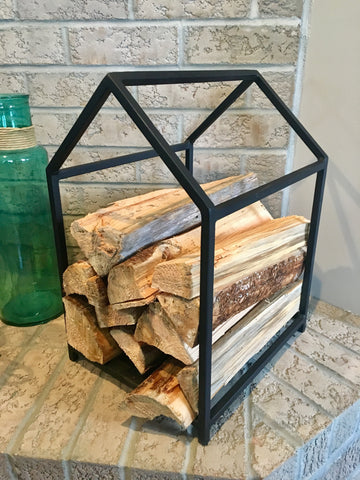 The Log Cabin - Firewood Storage