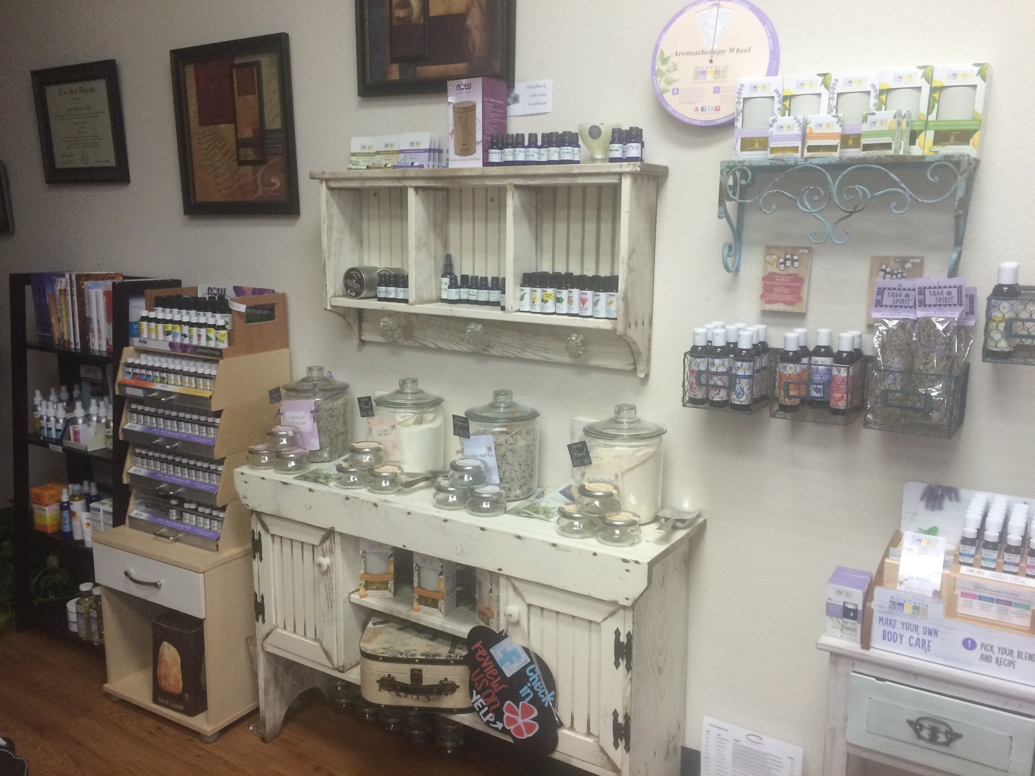 "<h1 class=""visually-hidden"">Hands On Healing Boutique: Skin Care</h1>"