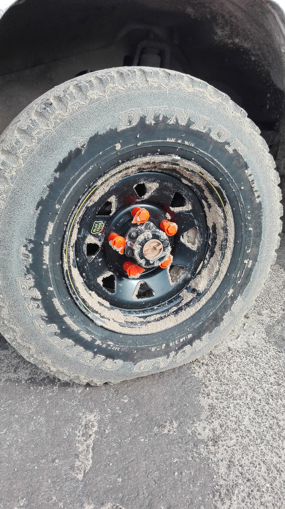 Orange Loose Wheel Nut Indicators on the Land Cruiser 70 series - NutWare