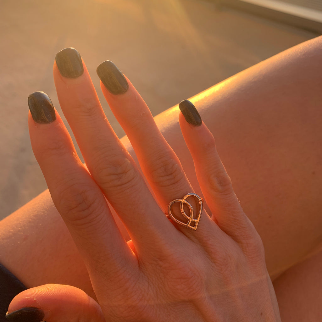Sleek Silhouette Ring