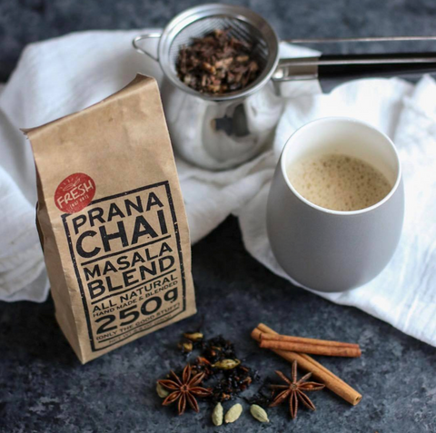 chai-spices-pack-and-strainer