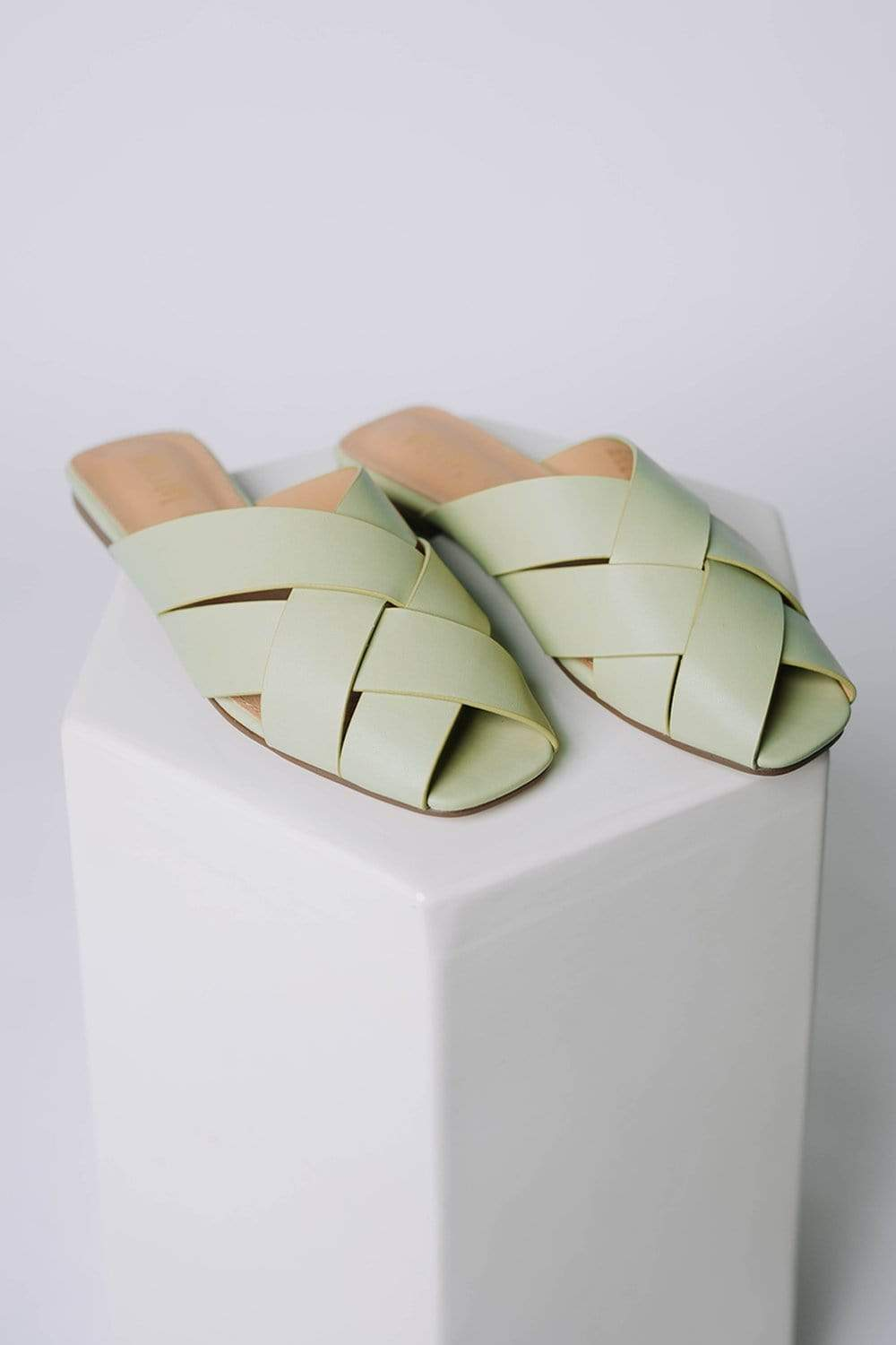 The Chloe Flat in Mint