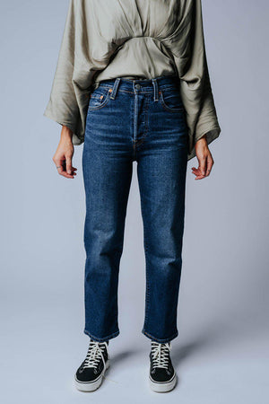 Levi's Ribcage Straight Ankle in Sketchy-Bottom-Levi's-24-Clad & Cloth