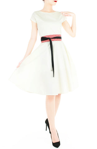 products/Classic_Weekender_Flare_Tea_Dress_Vanilla-5.jpg