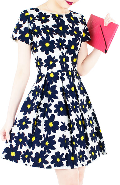 Midnight Jazz Rendition Flare Dress with Short Sleeves