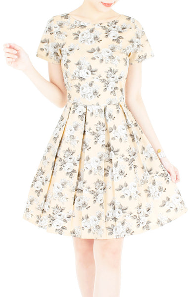 Secret Rose Garden Flare Dress in Short Sleeves - Pastel Orange