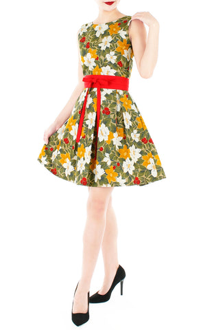 products/Vintage_Christmas_Poinsettia_Blooms_Flare_Dress-2.jpg