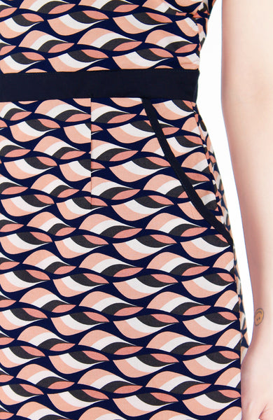 Waves of Fun 60s Mode A-Line Dress - Peach