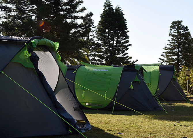 Cinch! and friends go to Toowoon Bay – Cinch Pop Up Tents