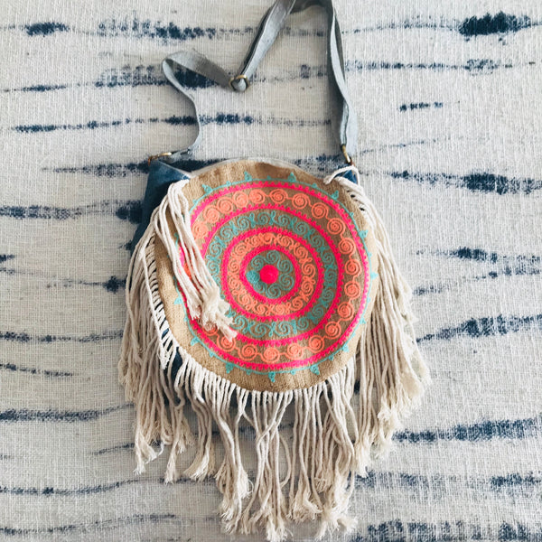 Mandala round gypsy bag with fringes (pink)