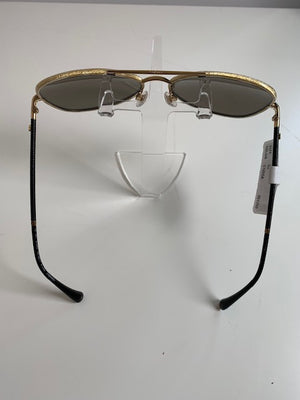 Brand New Gold Chanel Aviator Sunglasses 4227q