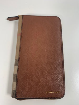 Burberry Large Organiser Wallet / Travel Pouch