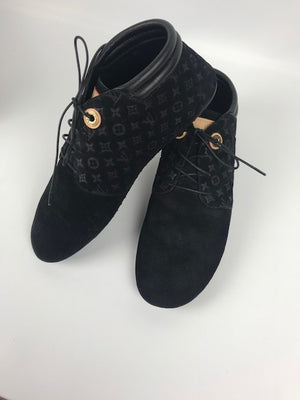 Brand New Louis Vuitton Sneakers 38.5