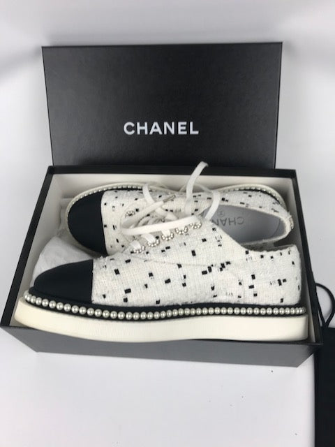 Chanel Pearl Tweed Lace-Up Flats 39