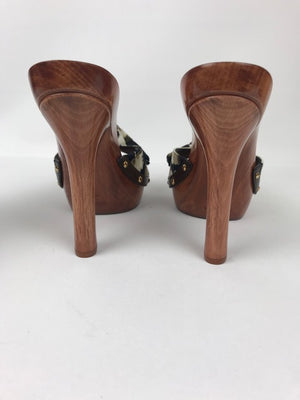 Brand new Dolce and Gabbana Wooden Mules 40