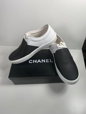 Brand New Chanel Pumps 38.5