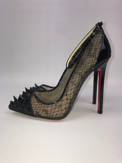 huge discount a8a3a 913e0 Brand New Christian Louboutin Lace, Spike And Strass Pumps 36