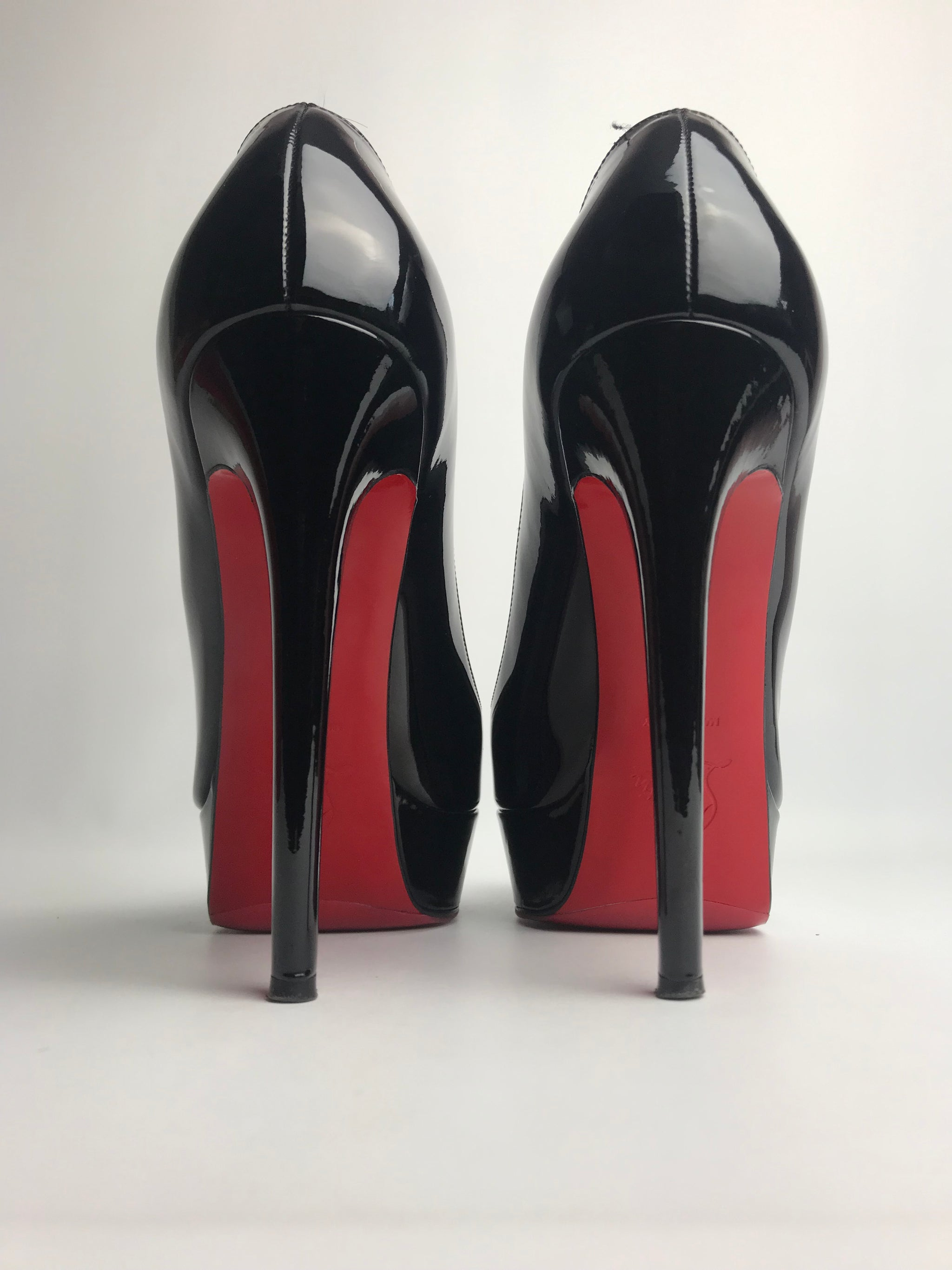 detailed look f8b81 f7ac6 Christian Louboutin Bianca Black Patent 38.5